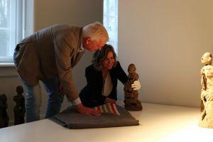 Alle 125 kunstwerken gearriveerd in Deldens museum No Hero
