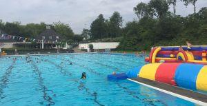 Zwem4Daagse Delden doorbreekt 'magische' grens van 300 bij start