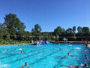 Video: Zwembad De Mors haalt magische grens van 100.000 bezoekers