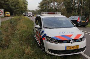 Auto en bakwagen in botsing tussen Delden en Goor