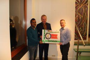 Deldense Sportweek reikt cheque uit aan Jeugdsport- en cultuurfonds