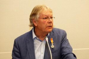 Scheidende raadsleden Jan ter Avest en Paul Gerritsjans krijgen lintje