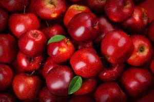 Eigen appels persen op Streekmarkt Delden