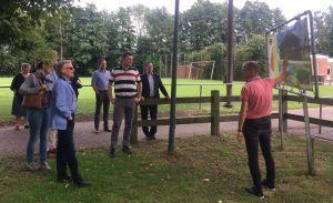 Gedeputeerde Monique van Haaf brengt werkbezoek aan Sportpark PLUS
