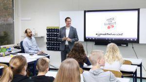 Burgemeester Nauta opent respectzone op Twickelcollege Delden