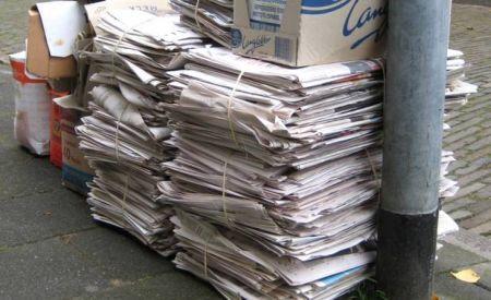 Gemeente vraagt inwoners oud-papier niet in containers aan te bieden