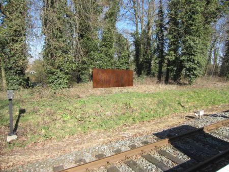 Bezinningsmonument 'Vertrek' klaar voor plaatsing bij treinstation Delden