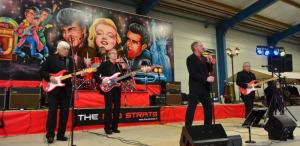 The Red Strats komen naar Delden