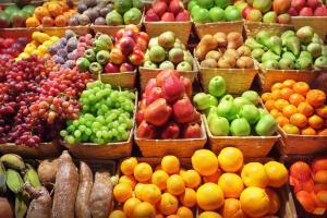 Weekmarkt, elke vrijdag van 14:00 tot 18.00 uur