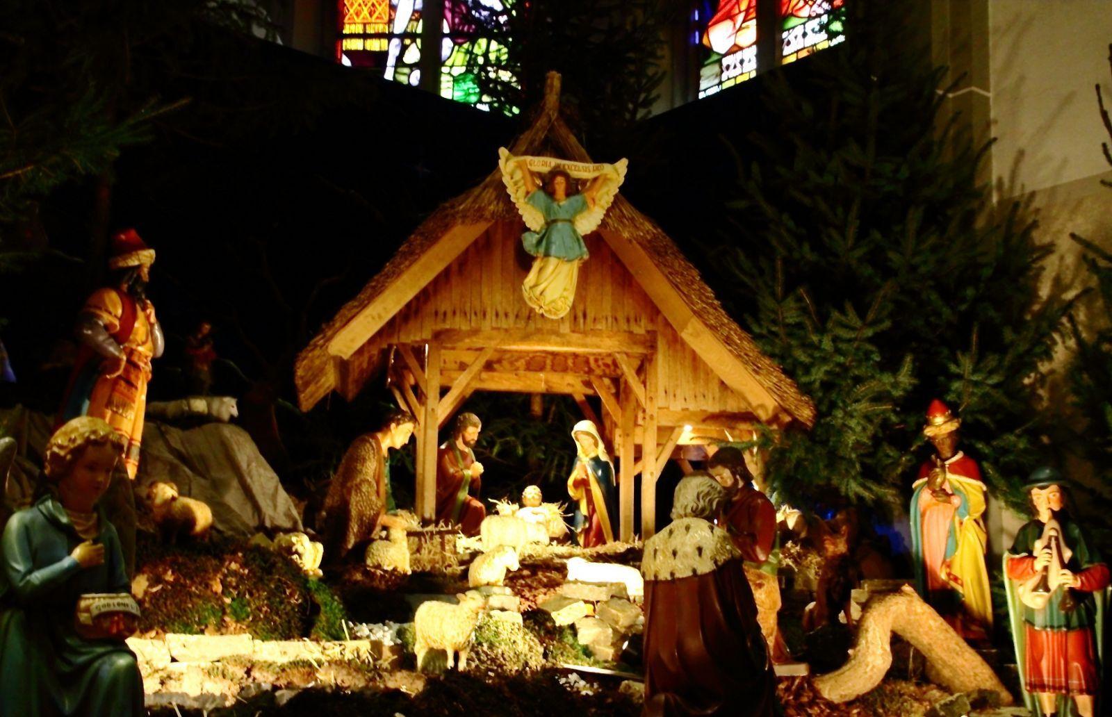Veel interesse voor kerststal in blasiuskerk delden nieuws nieuws uit delden het laatste - Fotos van levende ...